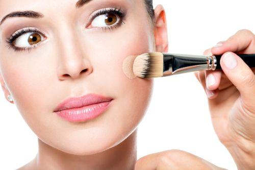 Aprende como ponerte la base del maquillaje