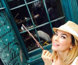 Aracely Arámbula Visita Universal Orlando Resort