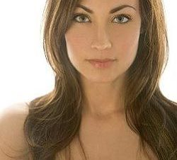 Courtney Ford en Topless