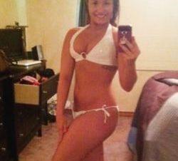 Foto Demi Lovato Presume Cuerpazo en Bikini en Facebook
