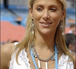 ¿A quién Prefieres en el Super Bowl? A Inés Sainz o Rebeca Rubio