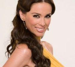 Jacqueline Bracamontes Está Embarazada