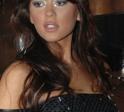 Karina Jelinek en Topless ¡Que Bárbara!
