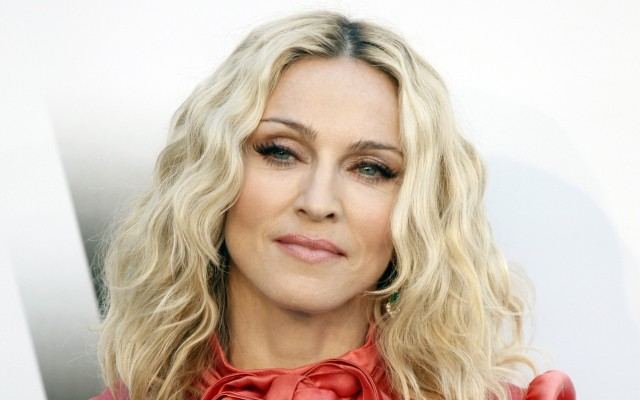 "Madonna Estrena ""Celebration"""