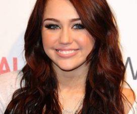 Foto Miley Cyrus muy Sexy en Lencería