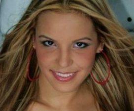 Paola Corvea Desnuda en Maxim