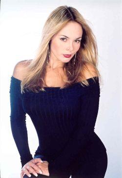 Roxana Diaz Sexy 106
